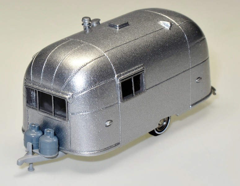 87007 1 Streamlined American Caravan