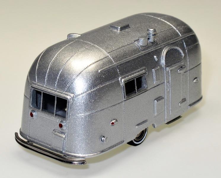 87007 2 Streamlined American Caravan