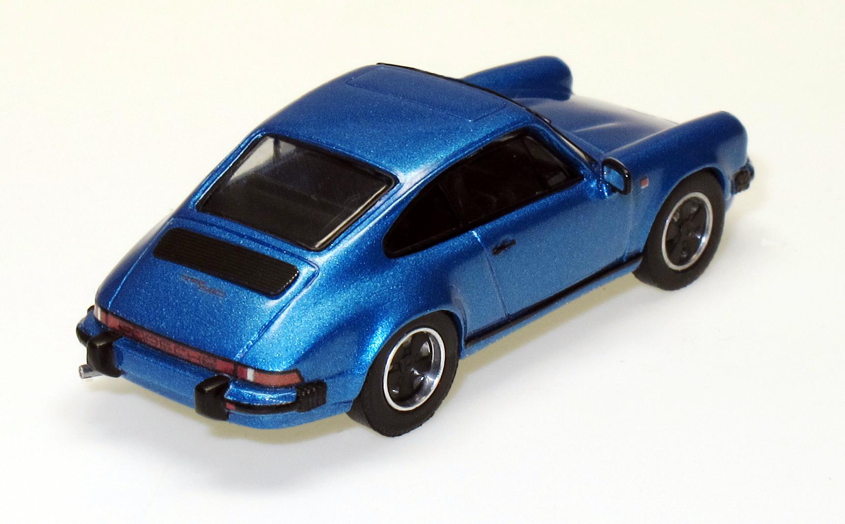 87082 2 Porsche 911 SC Coupe